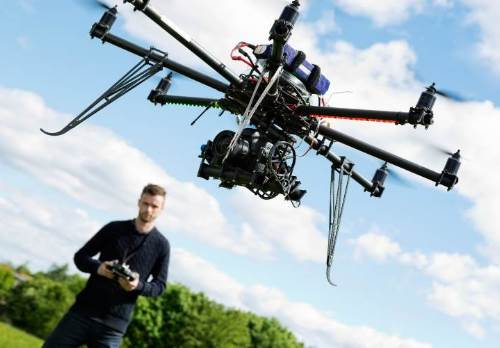 hire-a-vancouver-drone-technician-flyiing-rc.jpg (500×348)
